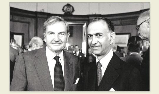Foto de Martínez de Hoz y David Rockefeller (Crédito: Sitio web oficial de Martínez de Hoz